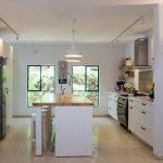 תכנון ועיצוב מטבח בבית פרטי בשרון