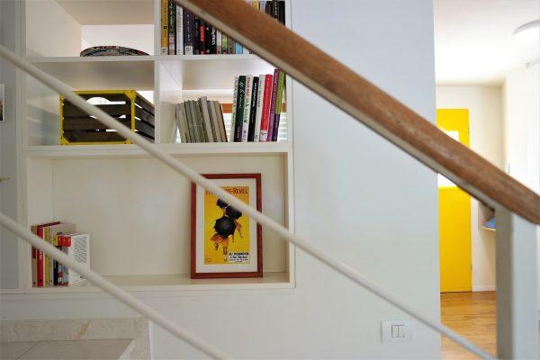 פרט נגרות במדרגות אייר שפירא