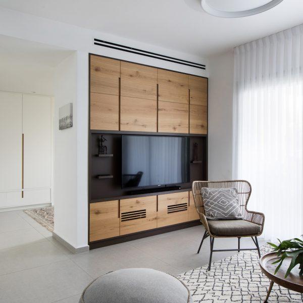 תכנון ועיצוב קיר טלוויזיה אייר שפירא