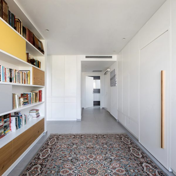 עיצוב מסדרון חדרים אייר שפירא