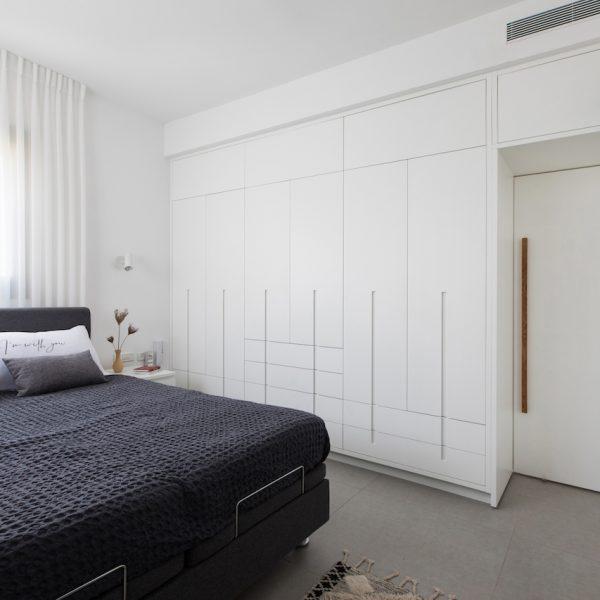 ארון חדר שינה הורים דלת סגורה